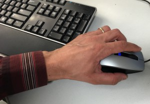 Leftie mouse use shouldn't be awkward